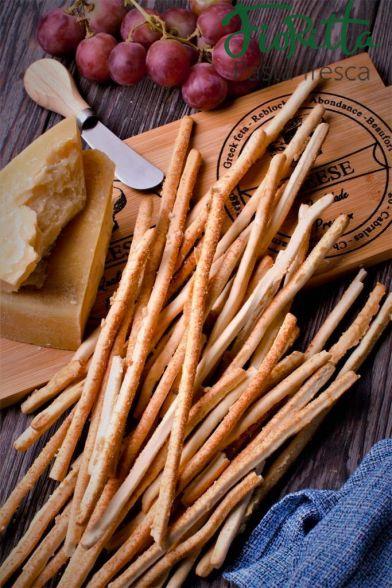 Гриссини с сыром пармезан